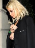 Kim Kardashian - Parigi - 09-03-2015 - Rihanna & Co.: quando le star vanno fuori di seno