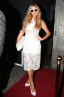Paris Hilton - Los Angeles - 11-03-2015 - Bianco o colorato, ecco il pizzo di primavera!