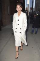 Jennifer Garner - New York - 18-03-2015 - Primavera 2015: con il soprabito, le celebs vanno… in bianco!