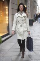 Daniela Ferolla - Milano - 20-03-2015 - Primavera 2015: con il soprabito, le celebs vanno… in bianco!