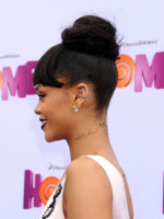 Rihanna - Westwood - 22-03-2015 - Cosa ti metti in testa per le feste? Prova con la treccia...