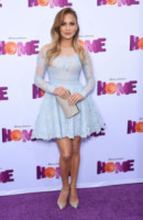 Jennifer Lopez - Westwood - 22-03-2015 - L'abito della bella stagione? Il corolla dress, sexy e bon ton!