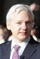Julian Assange - Londra - 06-12-2011 - Pamela Anderson-Julian Assange: tutta le verità in una lettera