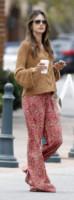 Alessandra Ambrosio - Malibu - 05-07-2012 - La bella e la bestia: ogni star ha la sua parte sciatta!