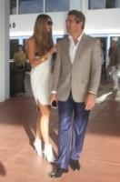 Jeffrey Soffer, Elle Macpherson - Miami Beach - 05-12-2013 - Elle MacPherson compie 54 anni ma il tempo per lei si è fermato
