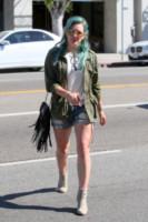 Hilary Duff - Milano - 26-03-2015 - È arrivato il caldo: gambe al fresco con gli shorts!