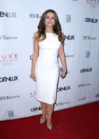 Elizabeth Hurley - Beverly Hills - 13-03-2015 - Non solo LBD: oggi il tubino è anche bianco!