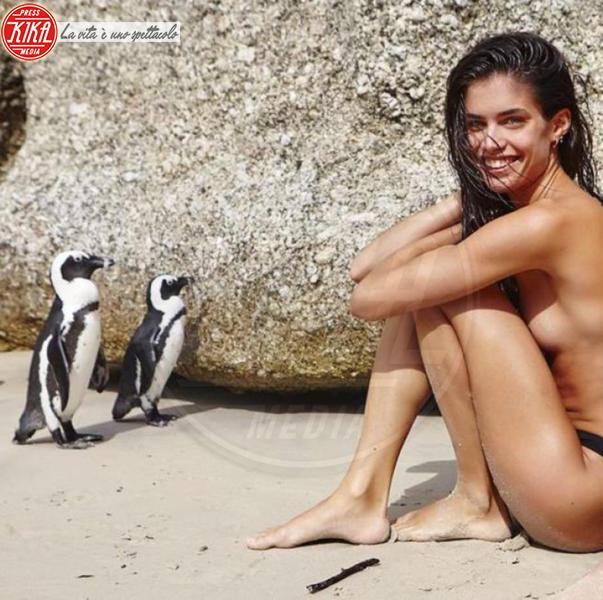 Sara Sampaio - Los Angeles - 31-03-2015 - Zoe Kravitz: lo vedete bene il seno?