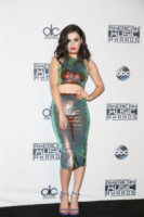 Charli XCX - Los Angeles - 23-11-2014 - Top Crop & company: pancini al vento sul red carpet