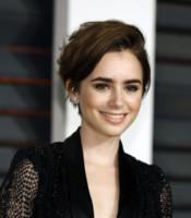 Lily Collins - Beverly Hills - 22-02-2015 - Quando le celebrity ci danno un taglio… ai capelli!