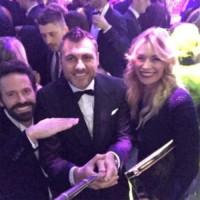 Christian Vieri, Elenoire Casalegno - Il bastone per i Selfie? È superato! Arrivano le Shoefie