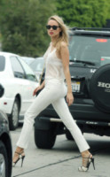 Kimberly Garner - Los Angeles - 17-03-2015 - In primavera ed estate, le celebrity vanno in bianco!