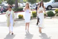 Kendall Jenner, Khloe Kardashian, Kris Jenner - Woodland Hills - 05-04-2015 - Pasquetta in bianco per il clan Kardashian