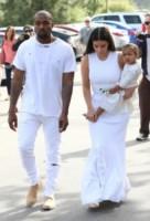North West, Kim Kardashian, Kanye West - Woodland Hills - 05-04-2015 - Pasquetta in bianco per il clan Kardashian