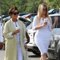 Khloe Kardashian, Kris Jenner - Woodland Hills - 05-04-2015 - Pasquetta in bianco per il clan Kardashian