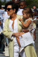 Kardashian, Kris Jenner - Los Angeles - 05-04-2015 - Pasquetta in bianco per il clan Kardashian