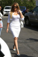 Kardashian, Khloe Kardashian - Los Angeles - 05-04-2015 - Pasquetta in bianco per il clan Kardashian