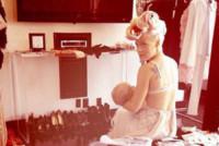 Pink - Los Angeles - 07-04-2015 - Megan Gale & C, quelle che allattano sui social