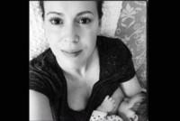 Alyssa Milano - Los Angeles - 07-04-2015 - Megan Gale & C, quelle che allattano sui social