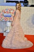 Lily James - Tokyo - 08-04-2015 - Le celebrity? Tutte romantiche belle in rosa!