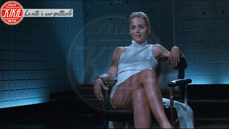 Sharon Stone - Hollywood - Sharon Stone replica Basic Instinct su Instagram, web in delirio