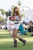 Bella Thorne - Indio - 11-04-2015 - Coachella 2015, macchina del tempo fashion in stile hippie
