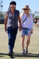 Richiie Sambora, Orianthi Panagaris - Los Angeles - 13-04-2015 - Coachella 2015, macchina del tempo fashion in stile hippie