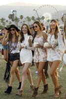 Alessandra Ambrosio - Indio - 12-04-2015 - Coachella 2015, macchina del tempo fashion in stile hippie