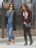 Stella Hudgens, Vanessa Hudgens - New York - 13-04-2015 - La salopette: dai cantieri ai salotti dello star system