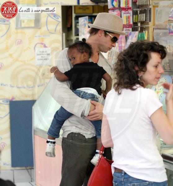 Zahara Jolie Pitt, Brad Pitt - Hollywood - 15-04-2007 - Angelina Jolie e Brad Pitt faranno nascere i gemelli nel sud della Francia