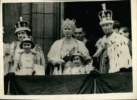 Regina Mary, Giorgio VI, Elizabeth Bowes-Lyon, Regina Elisabetta II - 05-05-1937 - Dio salvi la regina: Elisabetta II compie 63 anni di regno