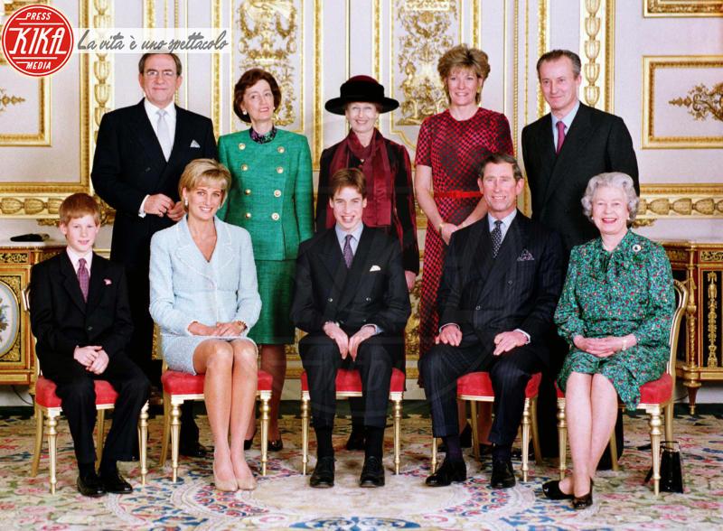 Principe Carlo d'Inghilterra, Regina Elisabetta II, Principe William, Lady Diana, Principe Harry - Londra - 09-03-1997 -