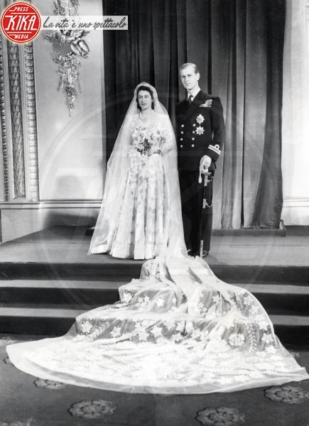 Regina Elisabetta II, Principe Filippo Duca di Edimburgo - Londra - 20-11-1947 - Da Kate a Lady D, gli abiti da sposa Windsor più belli