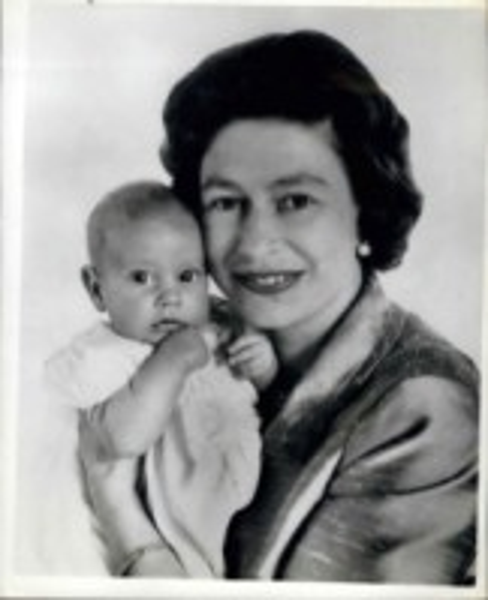 Principe Edoardo, Regina Elisabetta II - 12-06-1964 - Dio salvi la regina: Elisabetta II compie 63 anni di regno