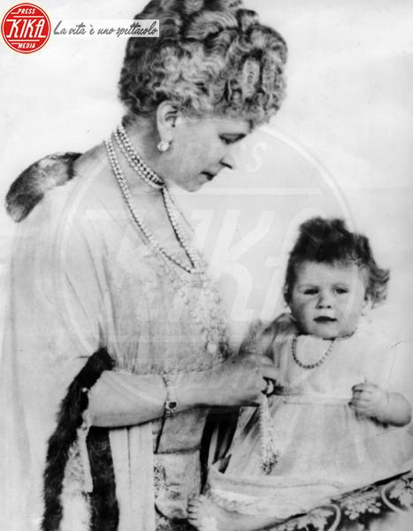 Regina Mary, Regina Elisabetta II - Londra - 21-04-1927 - Dio salvi la regina: Elisabetta II compie 89 anni