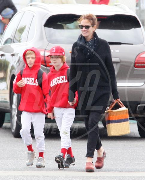 Phinnaeus Walter Moder, Hazel Patricia Moder, Julia Roberts - Los Angeles - 25-04-2015 - Clooney-Amal e la carica delle star con gemelli in casa