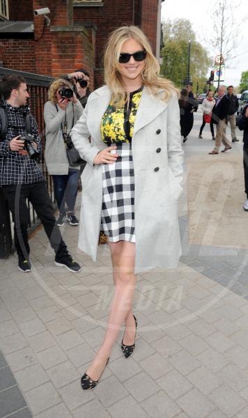 Kate Upton - Londra - 26-04-2015 - La primavera è arrivata: è tempo di trench!