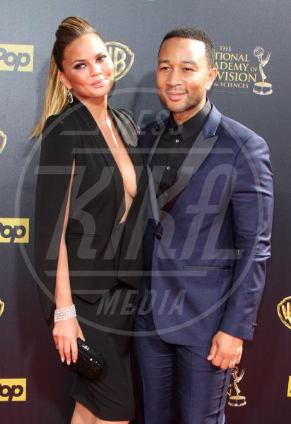 Christine Teigen, John Legend - Los Angeles - 27-04-2015 - John Legend acquista la villa di Rihanna a Beverly Hills