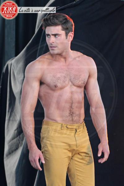 Zac Efron, Robert De Niro - Tybee Island - 30-04-2015 - Estate 2019: gli uomini più muscolosi dello showbiz