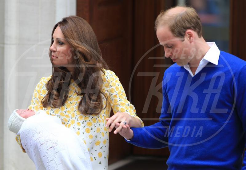 Londra - 02-05-2015 - William e Kate mostrano al mondo la #RoyalBaby