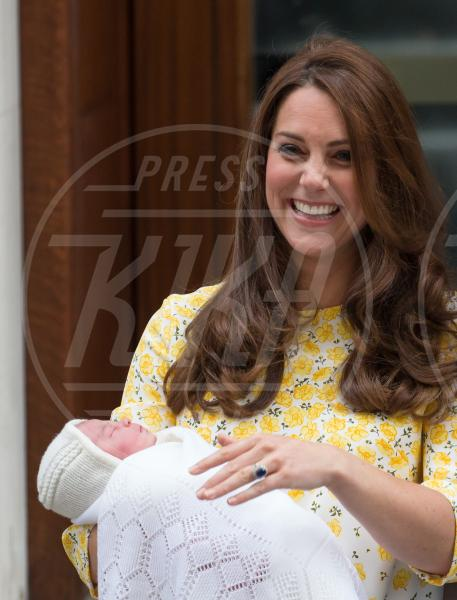 Principessa Charlotte Elizabeth Diana, Kate Middleton - Londra - 02-05-2015 - William e Kate mostrano al mondo la #RoyalBaby