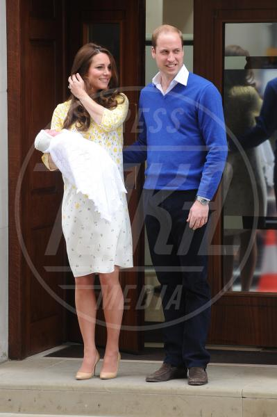 Royal Baby, Principe William, Kate Middleton - Paddington - 03-05-2015 - William e Kate mostrano al mondo la #RoyalBaby
