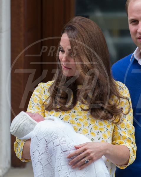 Royal Baby, Kate Middleton - Paddington - 03-05-2015 - William e Kate mostrano al mondo la #RoyalBaby