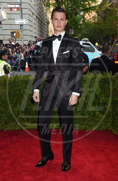 Ansel Elgort - New York - 04-05-2015 - Met Gala 2015: il red carpet più glamour dell'anno