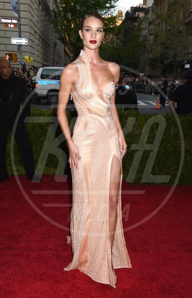 Rosie Huntington-Whiteley - New York - 04-05-2015 - Met Gala 2015: il red carpet più glamour dell'anno