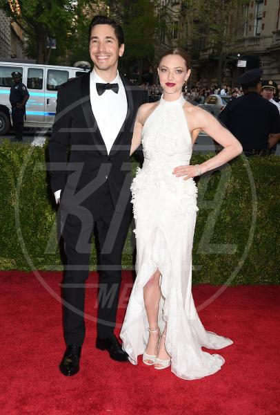 Justin Long, Amanda Seyfried - New York - 04-05-2015 - Met Gala 2015: il red carpet più glamour dell'anno