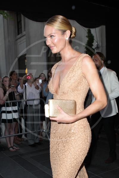 Candice Swanepoel - New York - 04-05-2015 - Met Gala 2015: il red carpet più glamour dell'anno