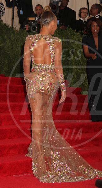 Beyonce Knowles - New York - 04-05-2015 - Met Gala 2015: Vade retro abito! Le star scelgono il nude look