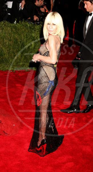 Donatella Versace - New York - 04-05-2015 - Sotto il vestito niente? Giudicate voi