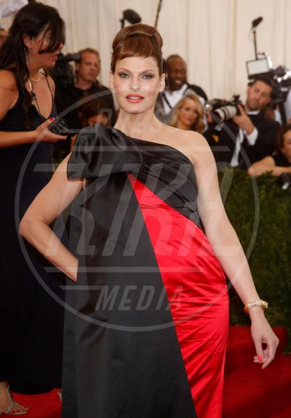 Linda Evangelista - New York - 04-05-2015 - Met Gala 2015: il red carpet più glamour dell'anno